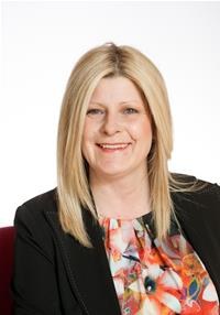 Profile image for Councillor Helen Crumbie
